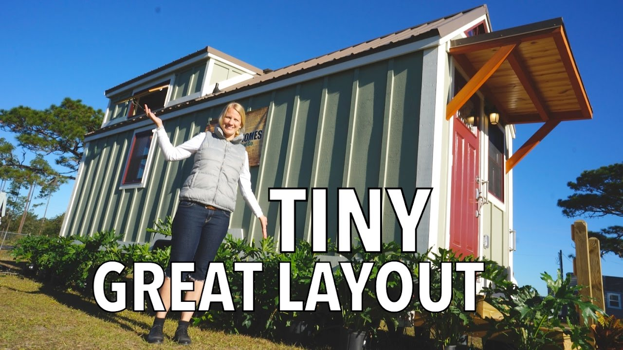 Cozy Wooden Tiny House Downstairs Bedroom Lots Of Storage - Cozy wooden house