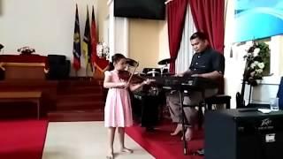 Suwe ora jamu in violin version performed by Jesslyn K