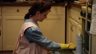 Sh. Madison Davenport in Yellow Rubber Gloves