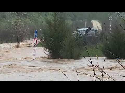 חילוץ הנהגים בעמק הארזים. צילום: 504, כבאות והצלה