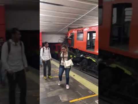 Chocan Dos Trenes En El Metro Tacubaya De La Línea 1