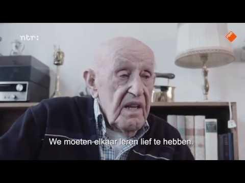 100-jarigen Delen Hun Levensdvies Met Homo - Wijsheid Komt Met De Eeuwen