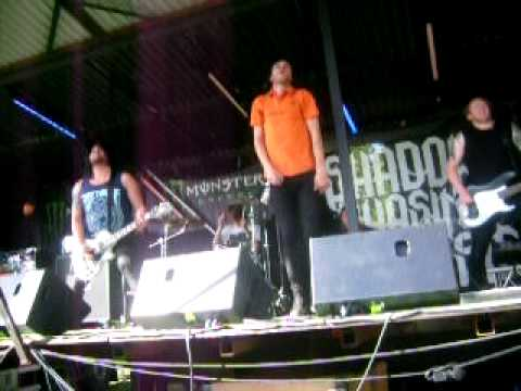 Shadows Chasing Ghosts - The Recovery Live @ Moshpit Open 2010