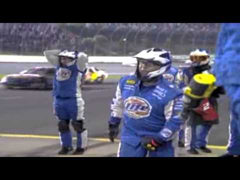 2007 Bank of America 500 - Kurt Busch bumped on pit road