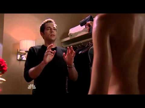 "Chuck 4x02 Sarah - ""Is she naked?"" xaxxaxa  ""Put some clothes on!"" thumbnail"