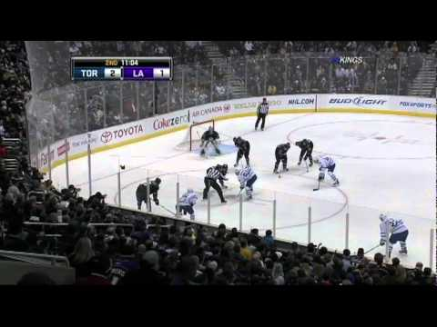 Justin Williams gets an earful from LA Kings coach...