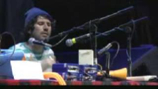 gruff rhys - Gwn Mi Wn (Live) - Gruff Rhys - Concert For Teenage Cancer Trust.flv