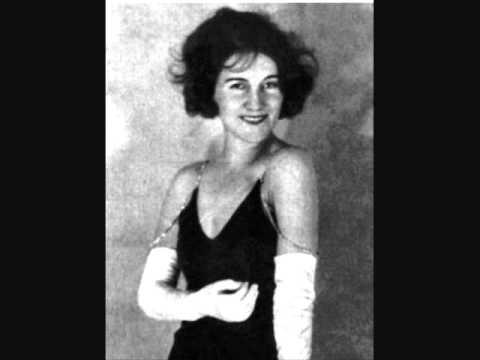 """Blandine Ebinger  """"Die hysterische Ziege""""  Hollaender"""