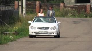 Свадьба: приехали стоя в кабриолете
