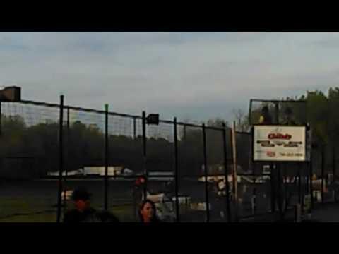 Buffalo River Race Park Race 3 ( Sprint Cars) Part 1