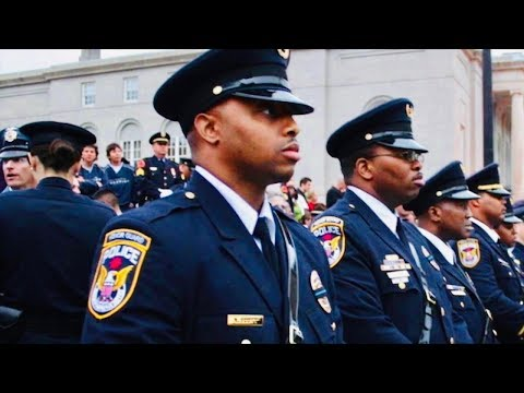 INTERESTING - Do Cop's Lives Matter? - White Hipsters Vs. Harlem Blacks - Street Interviews