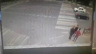 Видео с камеры наблюдения в Домодедово на площади