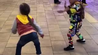 Дочка Кристины Асмус танцует тверк