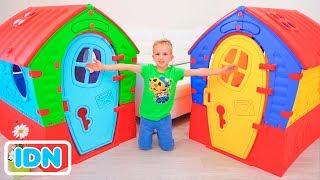 Vlad dan Nikita membangun Playhouse untuk anak anak