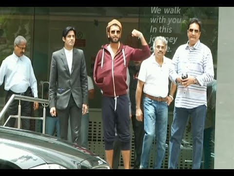 Ranveer Singh discharged from Hinduja Hospital after a successful arm surgery / operation.