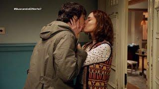 Adela y Carol se besan apasionadamente - Buscando el norte