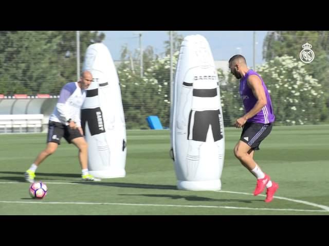Benzema showing pin-point accuracy in training