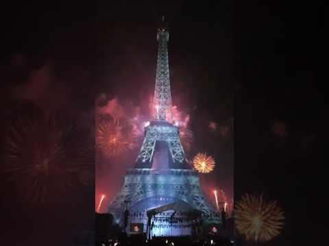 Paris Fireworks - Feu d'artifice du 14 Juillet 2017 (Full SHOW)
