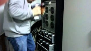 Ремонт Smart-UPS VT APC монтаж и запуск(Установка, монтаж и запуск трехфазного источника бесперебойного питания APC Smart-UPS VT 40 кВа после ремонта http://re..., 2012-11-23T11:50:20.000Z)