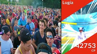 THOUSANDS OF PEOPLE RUN FOR FIRST EVER LUGIA RAID IN POKEMON GO! NEW LUGIA RAIDS LIVE! - POKEMON GO