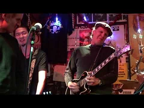 SURPRISE JAM ~Joe Bonamassa joins with Groove Legacy at the Baked Potato  12:27:18