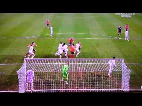 Luisão Goal Tottenham vs Benfica 0-2