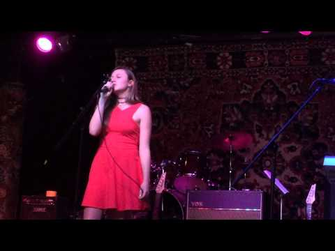 Makayla Johnson sings sSyle at the Michael Morales Rock Star Academy