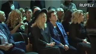 Алла Пугачева на прощании с Иосифом Кобзоном.