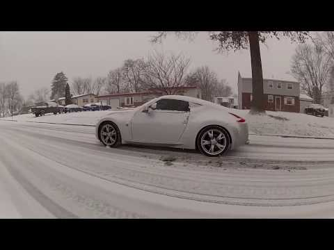 Driving Nissan 370z in snow