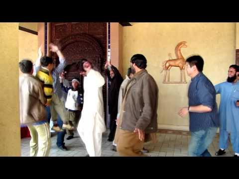 US Journalists Dance at Pakistan Museum