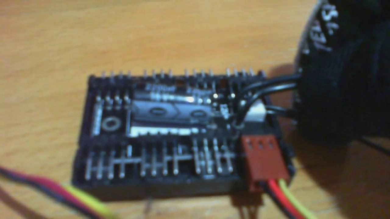 SilverStone Technology Silverstone 8-Port PWM Fan Hub//Splitter for 4-Pin /& 3-Pin Fans in Black SST-CPF04-USA Newest Version