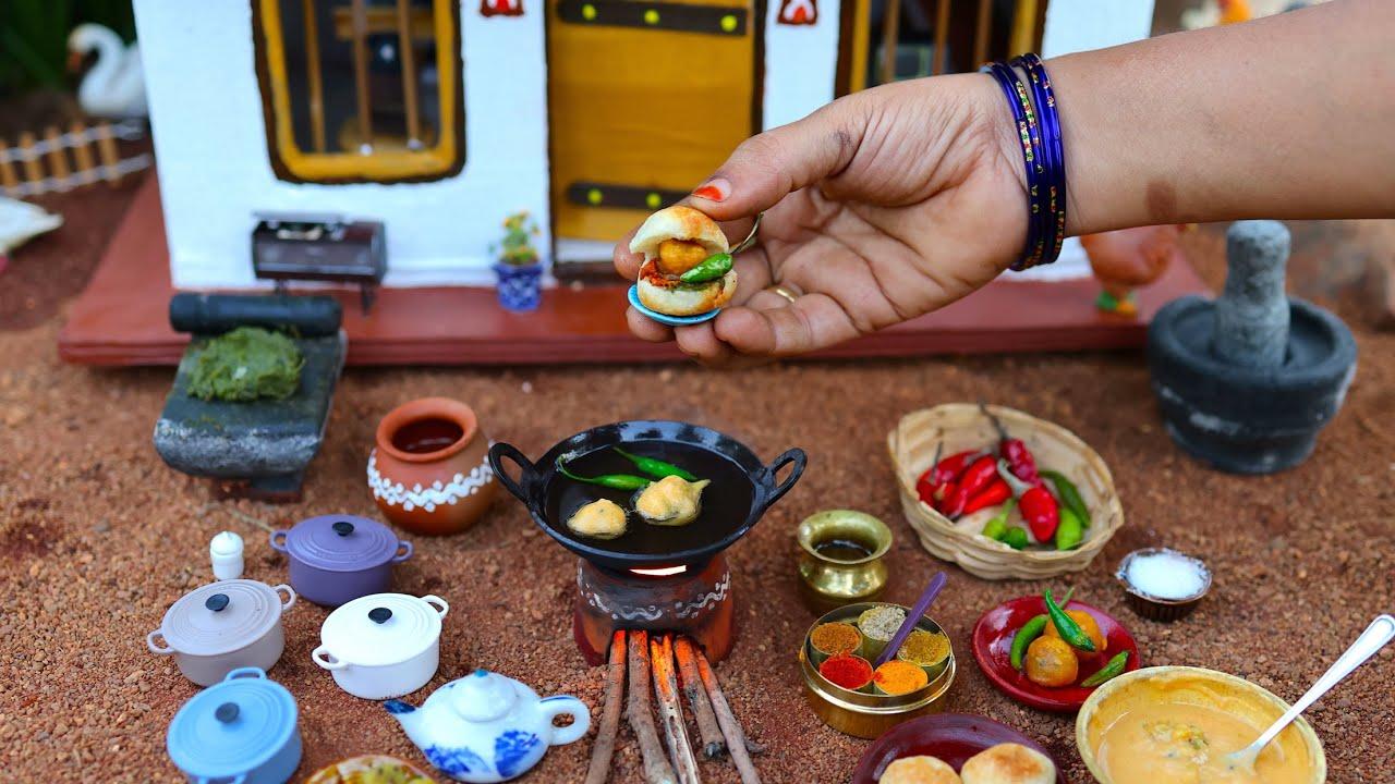 Tiny Dabeli Recipe | Indian Street Food Recipes | Gujarati Kutchi Dabeli Recipe | The Tiny Foods