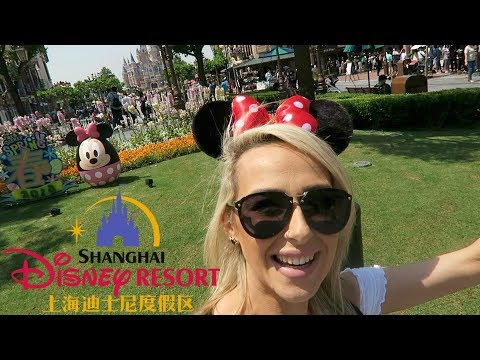 Having the best day in Disney Land Shanghai | DramaticMacvlogs
