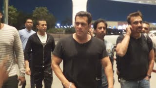 Salman Khan Leaves To Saudi Arabia With Bodyguards, Spotted At Airport