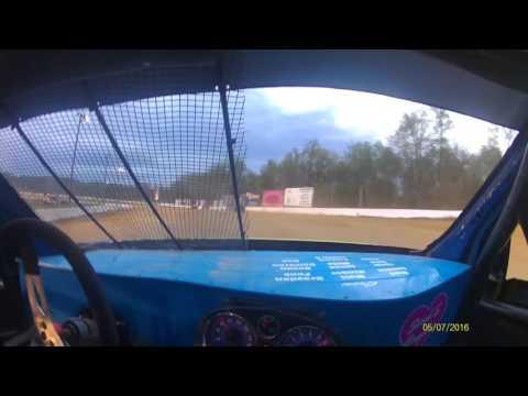Derek Iser Roaring knob 5/7/16 heat race 4 cylinder