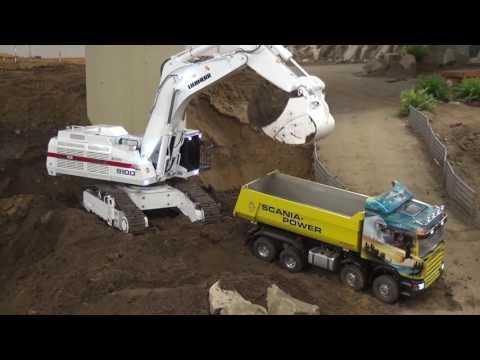 Liebherr 9100 excavator loads truck real fast
