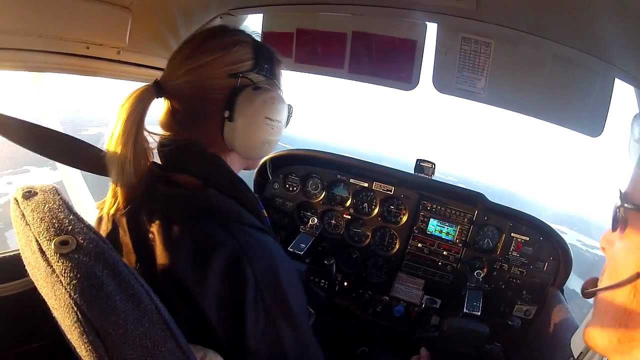 Happy life of a student pilot - YouTube