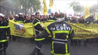 Paris : les pompiers manifestent leur colère