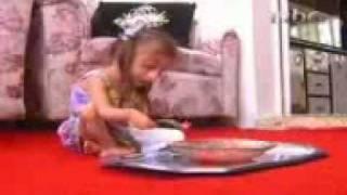 اصغر بنت بالعالم  منتديات سرو حمير