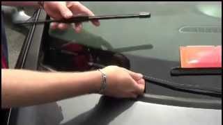 Comment changer un balai d'essuie-glace sur Clio 3 ?