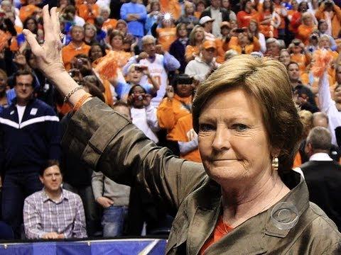 CBS Evening News with Scott Pelley - Pat Summitt steps down as Tennessee coach