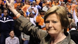CBS Evening News with Scott Pelley - Pat Summitt steps down as Tennessee coach