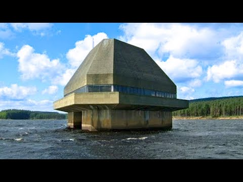 15 Zombie Proof Houses You'll Regret Not Seeing