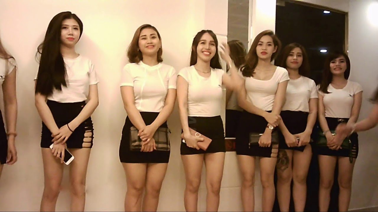 Çin'de Kadınların Nasıl Kiralandığını İzleyin. İnanılmaz!