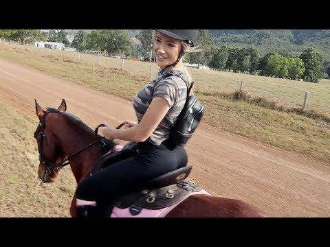 GOING HORSE RIDING! 🐴 | VLOG