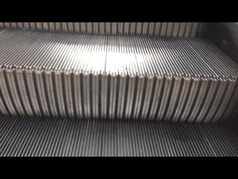 Cambridge MA Montgomery escalators Parking/ Mall @ CambridgeSide Galleria