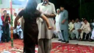 gulzz Dancee On Jojoo MAriaGe In PinDi Gheb... 3)