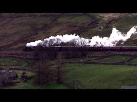 Flying Scotsman epic broadside on Mallerstang Edge 31.3.17