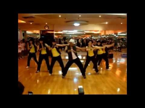 Demo | Pump It Up | Chance Pe Dance | Shahid Kapoor | SK Team @ Vietnam
