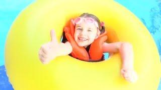 NEW! Видео для детей - активный отдых. Аквапарк Карибия и лучшие подружки!(Активный отдых - это здорово! Сегодня наши лучшие подружки Настя, Света и Ксюша отдыхают в аквапарке Кариби..., 2016-02-19T05:54:35.000Z)